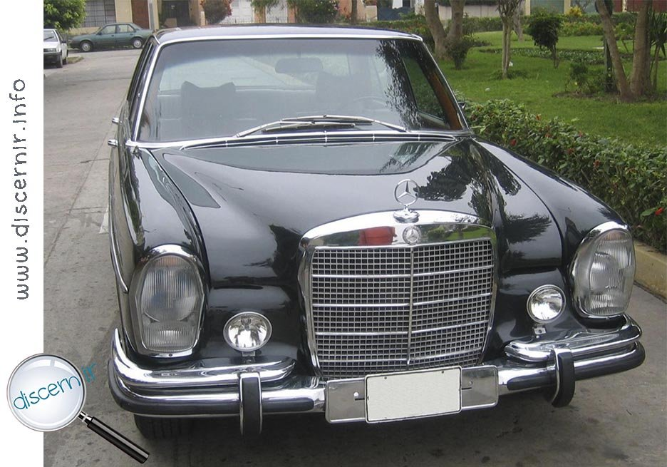 Un Mercedes-Benz, por favor